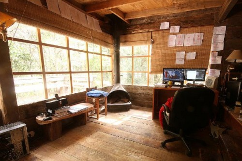 120224_TheChase_Cabin_1